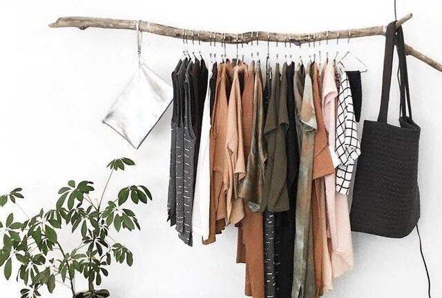 minimalist capsule wardrobe sept 2017